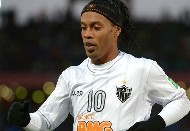 Ronaldinho signs new Atletico Mineiro contract