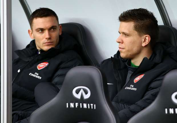 Benitez wants Arsenal captain Vermaelen at Napoli - Mertens