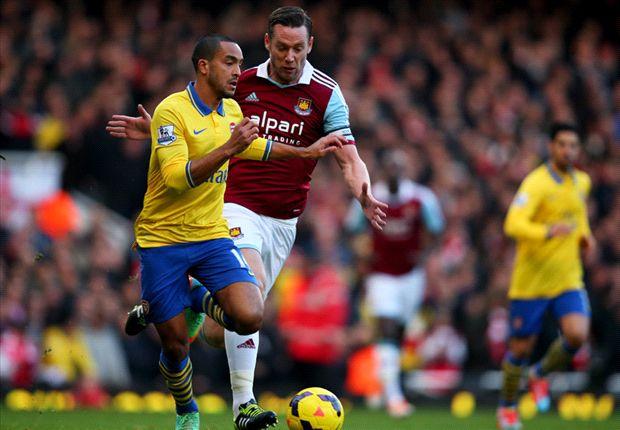 Theo Walcott scoorde twee keer op bezoek bij West Ham United