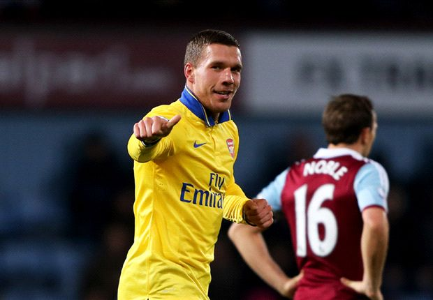 Wenger hails returning Arsenal striker Podolski