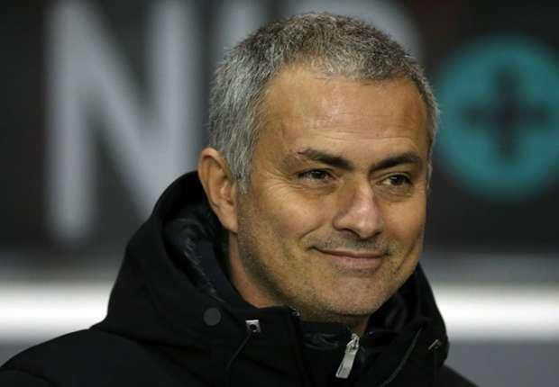 Mourinho: Liverpool have title race advantage