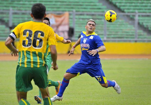 Gonzales langsung menjadi andalan di lini depan Arema untuk menghadapi Army United di SUGBK, Jakarta, Minggu (29/12).