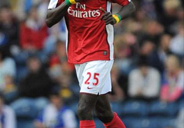 Arsenal's Adebayor To Undergo Manchester City Medical Today - Report
