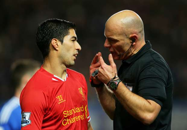 Liverpool boss Rodgers defends 'easy target' Suarez