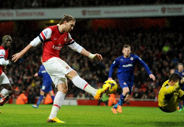 Wenger hints Bendtner set for Arsenal exit