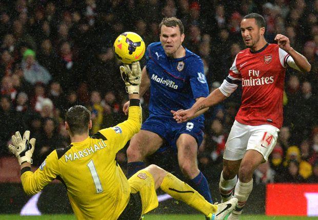 Walcott sentenció el encuentro ante el Cardiff con un gran gol