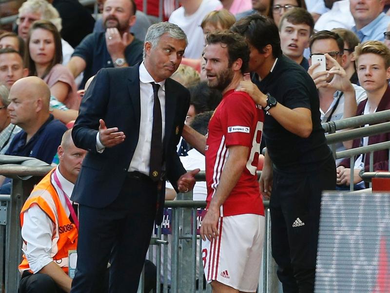 "Manchester United, Mata : ""Je m'entends bien avec Mourinho"""