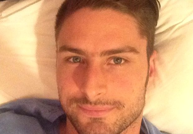Extra Time: Bedbound Giroud relaxes ahead of north London derby