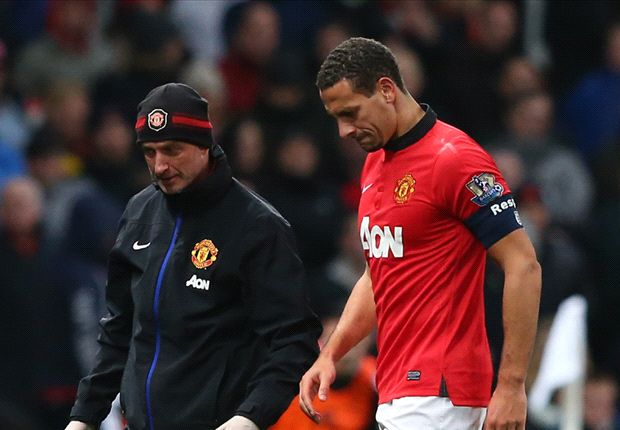 Rio Ferdinand back in Manchester United training but faces fortnight out