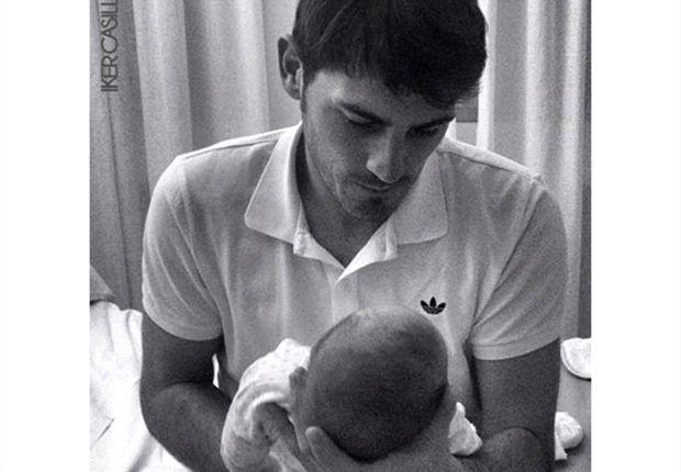 Iker Casillas con su hijo Martín
