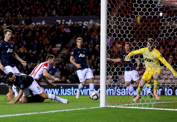 Giggs bemoans 'laughable' decisions in Sunderland loss
