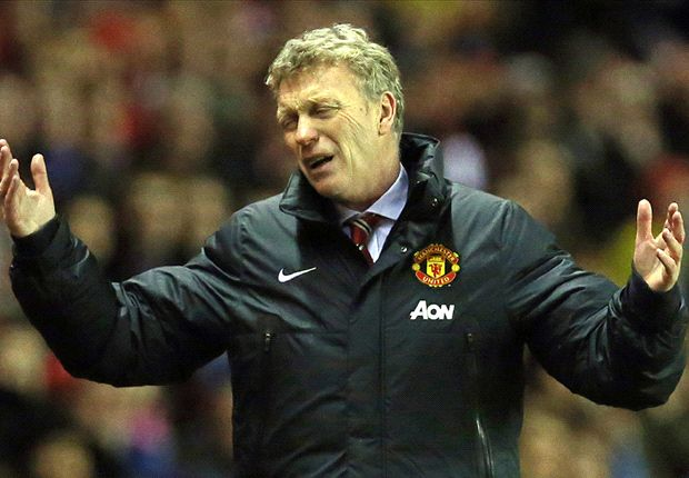 Manchester United having to play officials as well the opposition, says Moyes