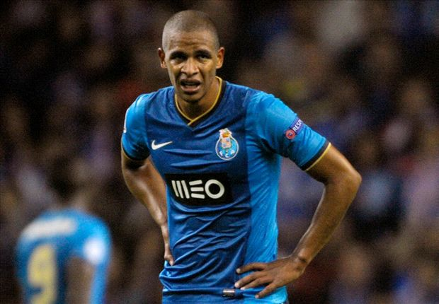 Manchester City push for deadline-day Fernando deal