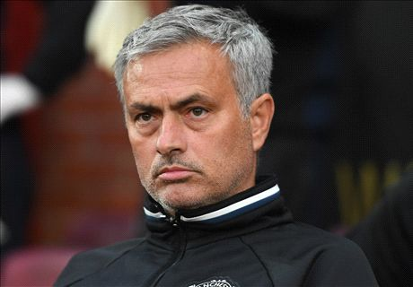 Mourinho happy to win in 'Fergie Time'