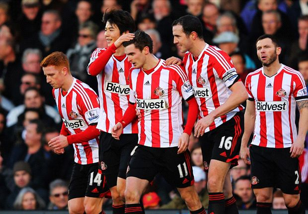 Fulham 1-4 Sunderland: Adam Johnson hat-trick lifts Black Cats off bottom