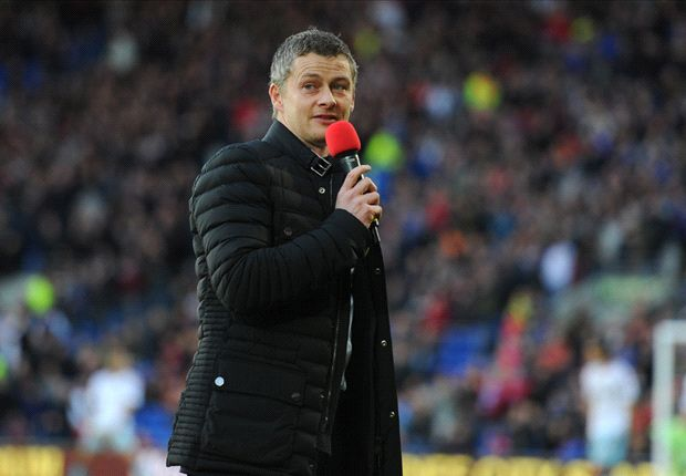 Solskjaer tight-lipped on links to Manchester United pair