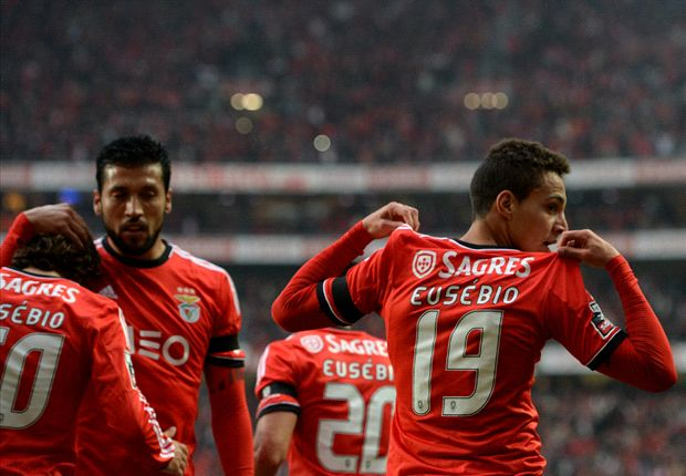 Benfica don Eusebio jersies for vital win over Porto