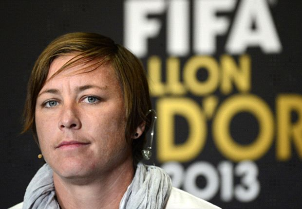 Players threaten lawsuit over artificial fields at 2015 Women's World Cup