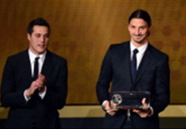 Ibrahimovic, muy feliz tras ganar el Premio Puskas