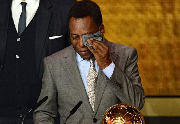 Emotional Pele awarded Fifa Ballon d'Or Prix d'Honneur