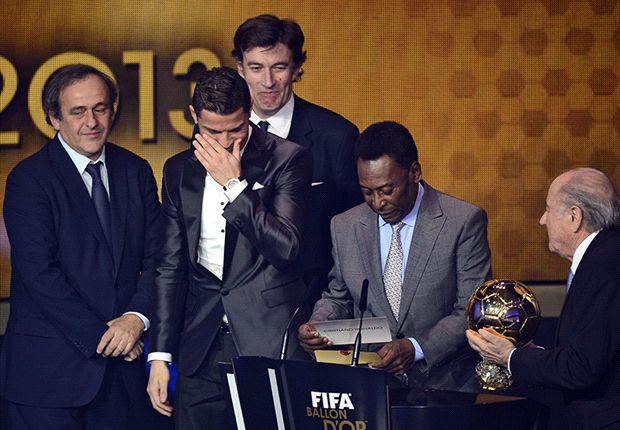 گزارش روز-اخبار حاشیه ای مراسم توپ طلا: عکس یادگاری مادررونالدو با مسی