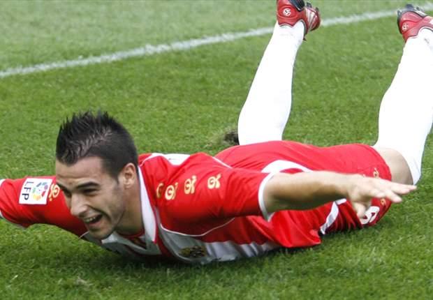 Almeria's Alvaro Negredo Would Be Happy If Raul Gets Spain Call-Up