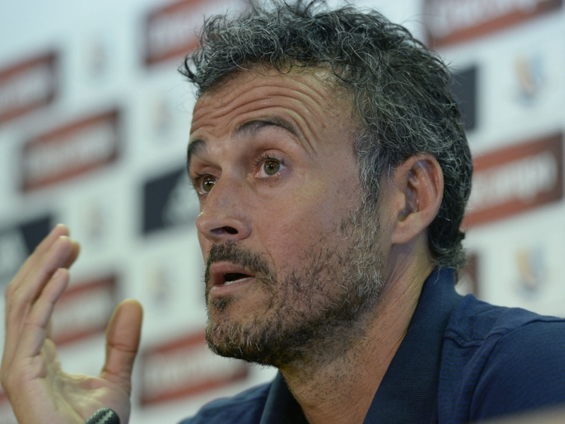 Luis Enrique urges Barca to land first blow in Sevilla return