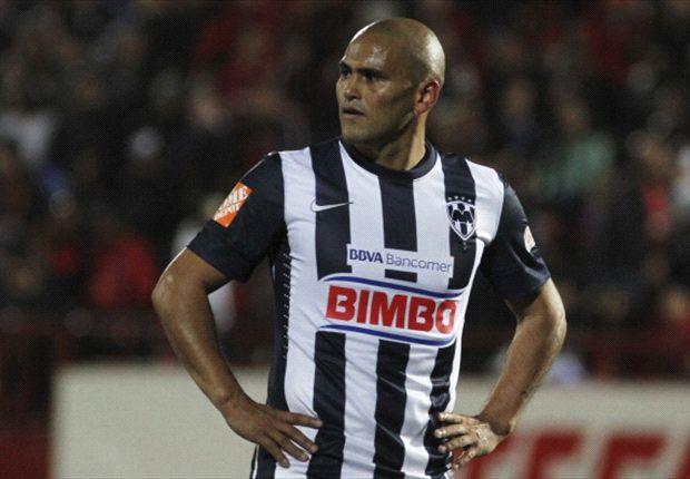 Monterrey's Humberto Suazo out four months