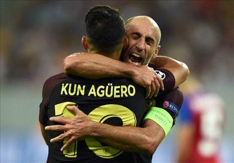 Aguero maakt eigen missers goed