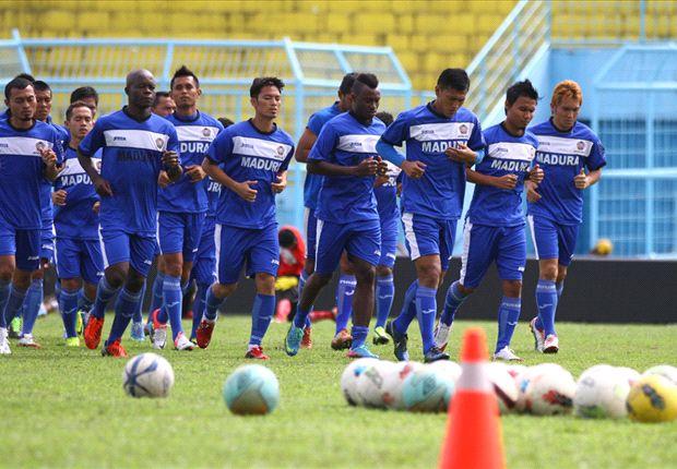 Persepam melakoni laga kandang perdana mereka dengan menjamu PSM Makassar.