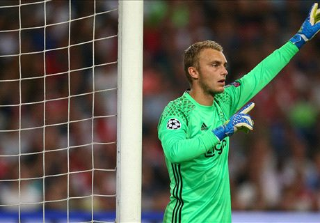 RUMOURS: Barca close in on Cillessen