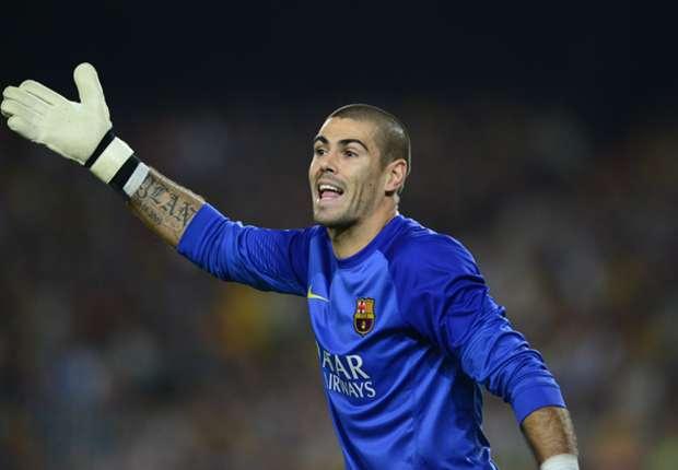 Barcelona deny offering Valdes new deal