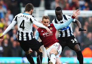 Scommesse - Profumo d'Europa nel big match fra West Ham e Newcastle