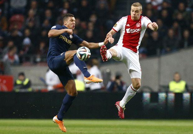 Ajax bezegelt desastreus seizoen PSV