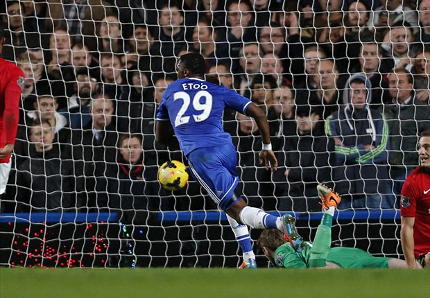 Chelsea 3-1 Manchester United: Samuel Eto'o fulmina a los 'Red Devils'