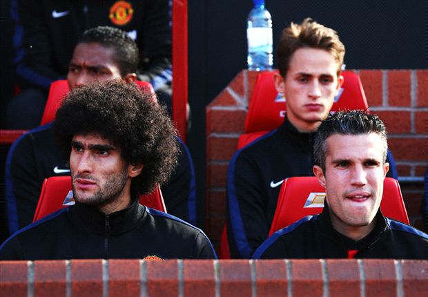 Van Persie and Fellaini return to Manchester United training