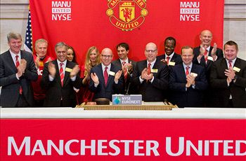 Manchester United shares drop to three-year low after 27 percent slide