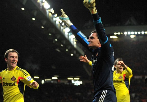 Mannone dismisses departure speculation