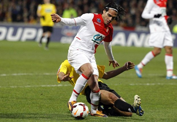 Falcao to miss World Cup with injured knee