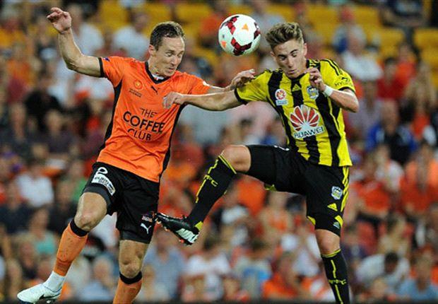 Brisbane Roar 2-1 Wellington Phoenix: Roar snatch win