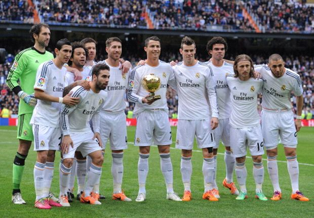 Ronaldo shows off Ballon d'Or before firing Madrid to La Liga summit