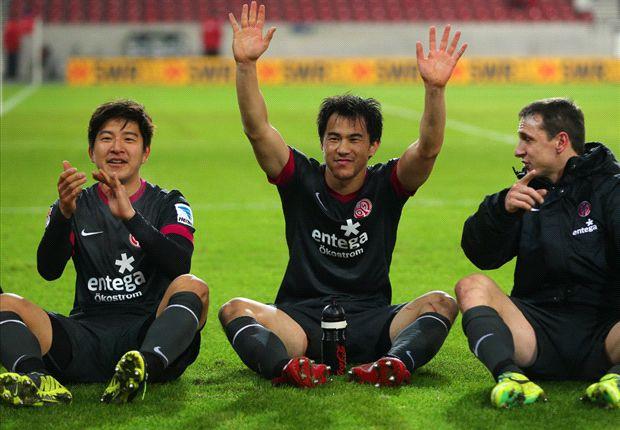 Joo-Ho Park und Shinji Okazaki hatten entscheiden Anteil am Sieg der Mainzer (re., Pospech)