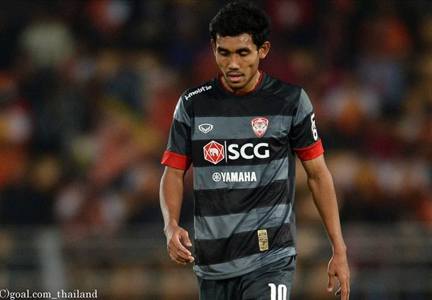 Thai star Teerasil to go on loan to Almeria