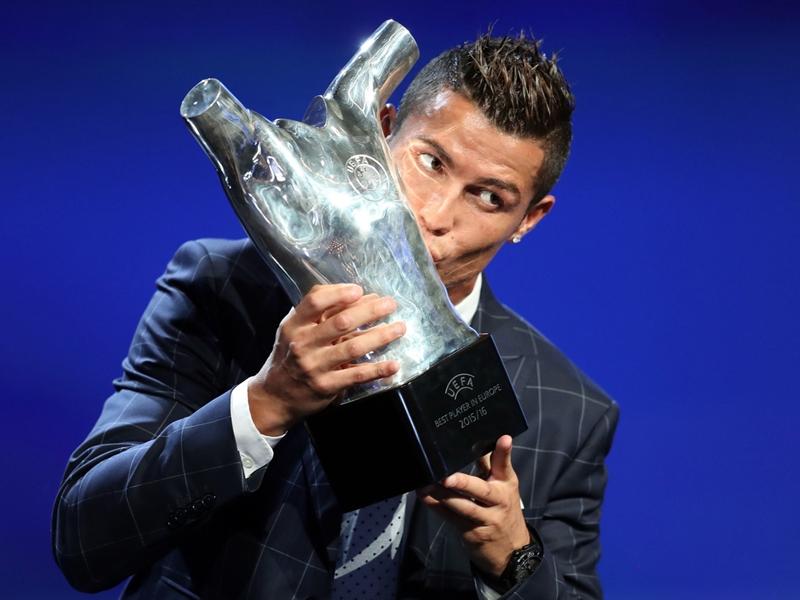 Real Madrid, Cristiano Ronaldo répond à Piqué