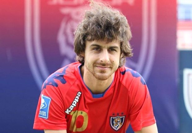 Aimar's no 'Lone Ranger', defence must buck up