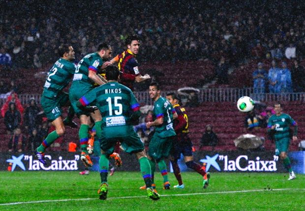 Barcelona 5-1 Levante (agg. 9-2): Alexis double sees Catalans stroll into semis