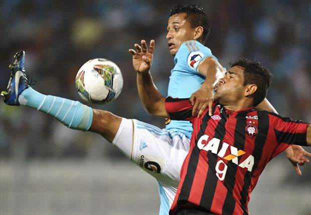 Sporting Cristal vence en Lima al Atlético Paranaense