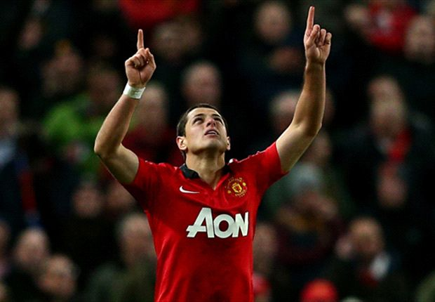 Chicharito denies criticising Van Persie over Manchester United 'team-mates' comments