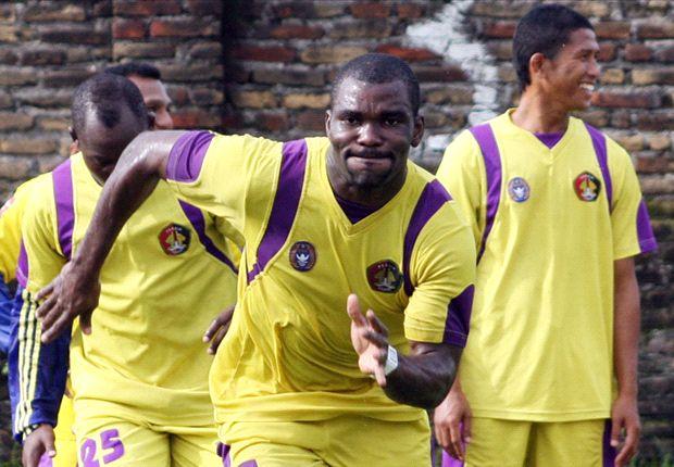 Kehadiran JP Boumsong masih belum memenuhi kebutuhan pemain Perseru.