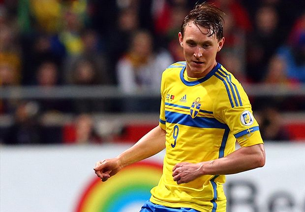 Kallstrom completes Arsenal medical but Klose move off